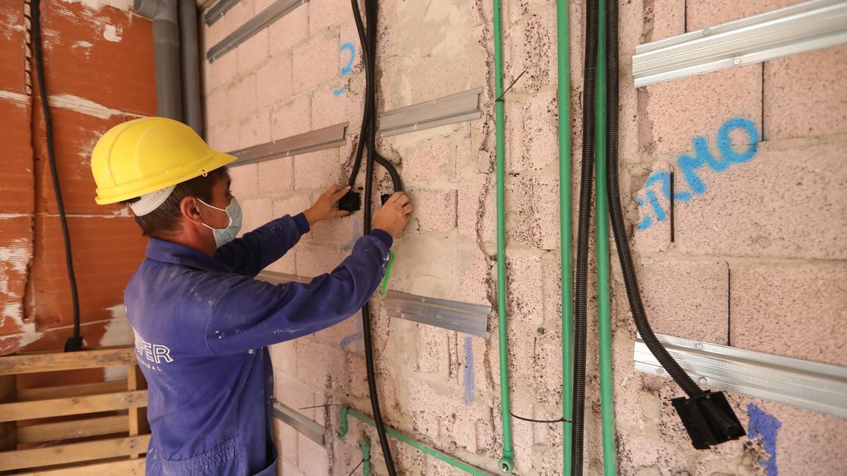 La actuación presentada por el Gobierno puede ser un revulsivo para las empresas de la construcción provincial.