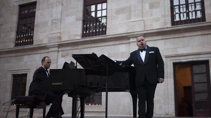El barítono Luis Santana actuará en el concierto de villancicos de Mombuey