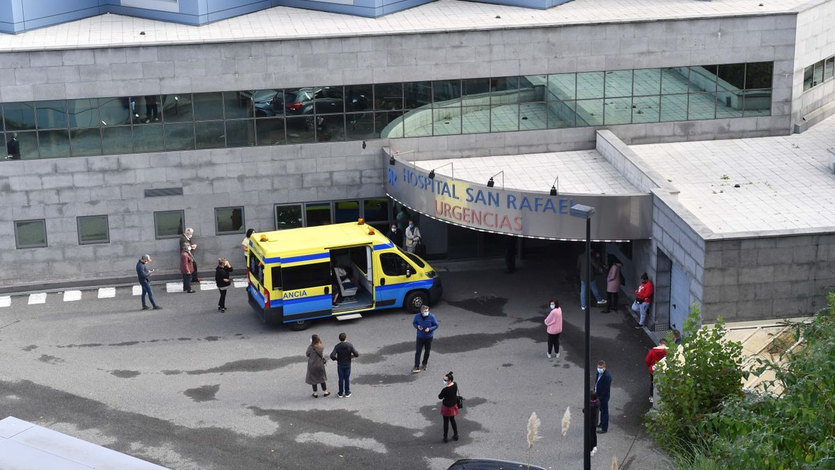 Galicia baja de la barrera de los 400 hospitalizados