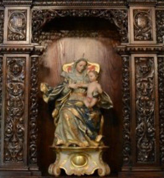 Virgen con ni�o de la capilla.jpg