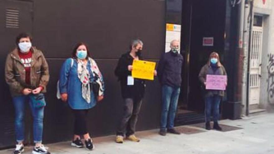 Empleados de Atento en A Coruña denuncian ante Inspección la vuelta al trabajo presencial