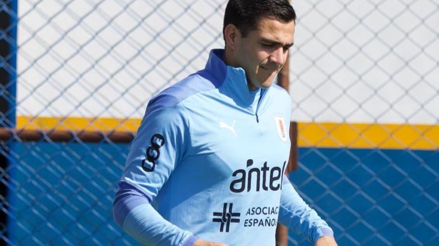¡A puerta vacía! El incomprensible fallo de Maxi Gómez con Uruguay