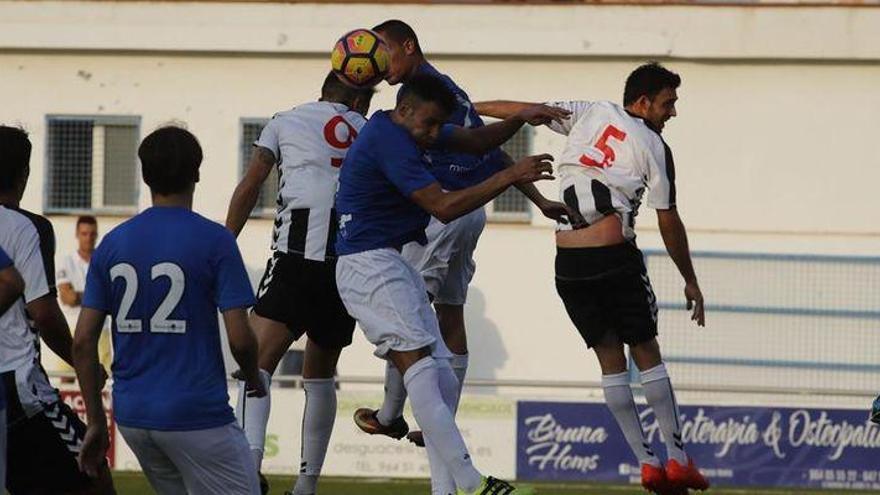 El Castellón supera al Burriana en el San Fernando (0-2)