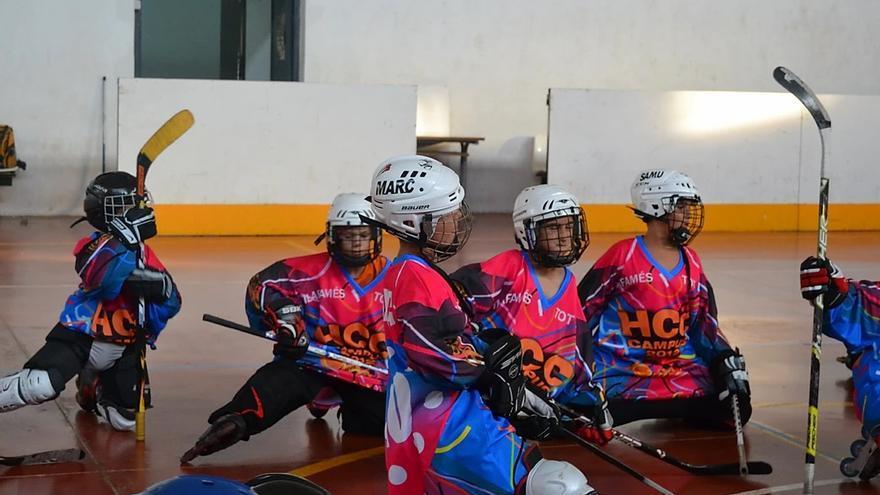 Hockey Club Castellón refuerza el compañerismo en los colegios