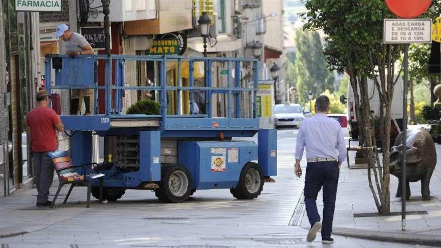 La Rúa Pintor Laxeiro de Lalín acoge hoy la celebración del segundo Entroido de Verán