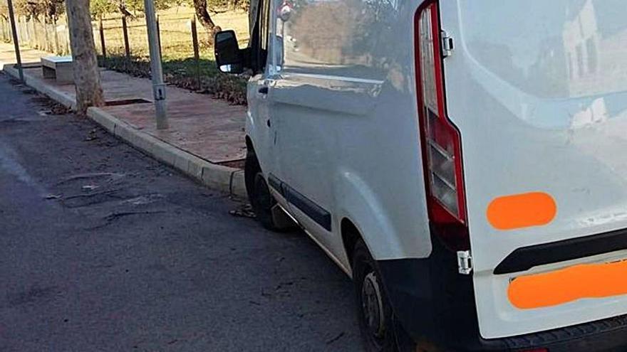 Un conductor se estrella en Consell y sextuplica la tasa de alcohol
