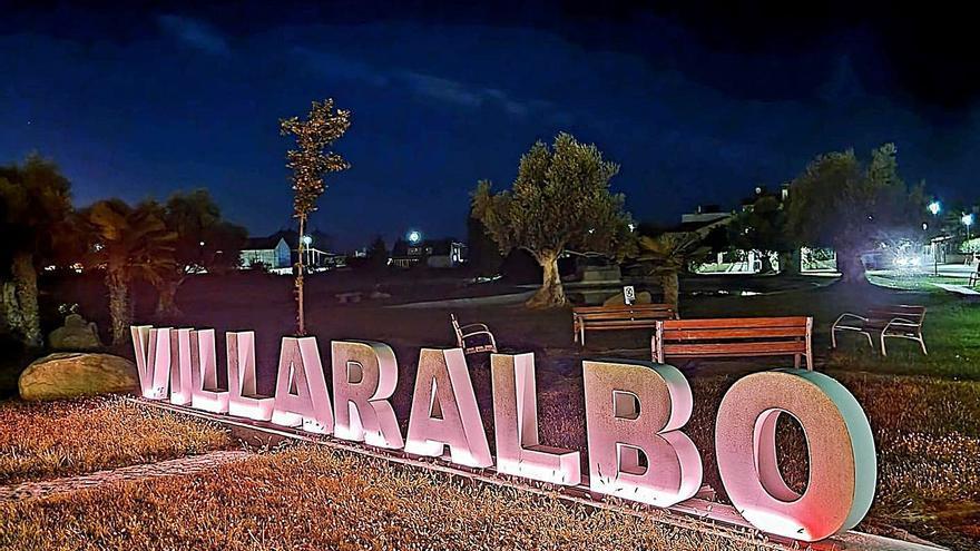 Villaralbo rinde homenaje a través de los colores