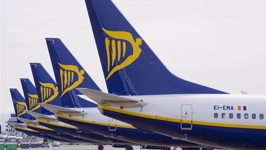 Sepla denuncia que Ryanair obligó a sus pilotos de Girona a firmar contratos ilegales