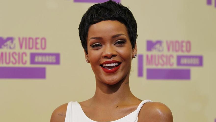 Rihanna desconecta unos días en Ibiza