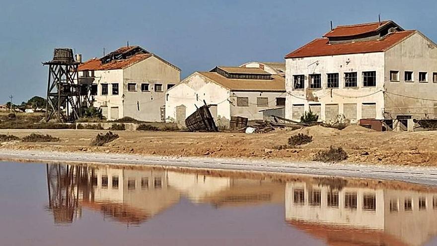 Sueña Torrevieja reclama a la salinera y al Ayuntamiento salvar el patrimonio industrial