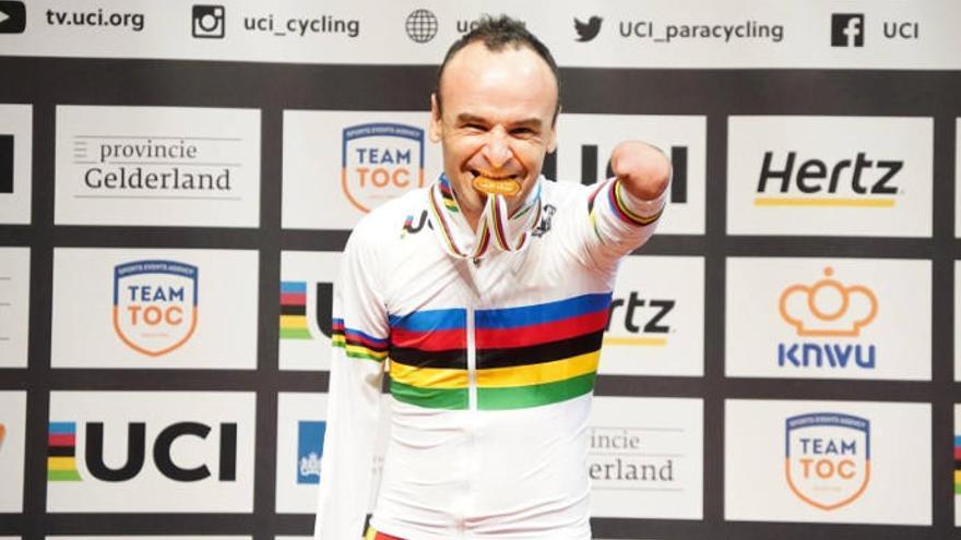 El ciclista del equipo Hyundai Koryo Car-Dstrel, Ricardo Ten, se proclama campeón del mundo en persecución individual C1