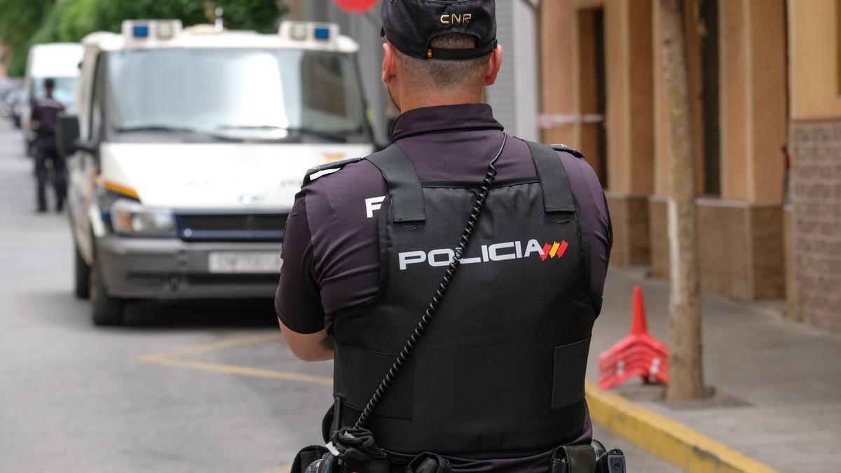 La intervención la han llevado a cabo agentes de la Comisaría de la Policía Nacional de Elda-Petrer.