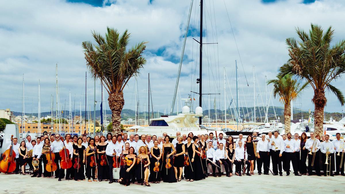 L'Orquestra Simfònica Illes Balears, seguint el cicle #SonamPerTu, oferirà concerts a l'església d'Esporles i al Castell de Bellver.