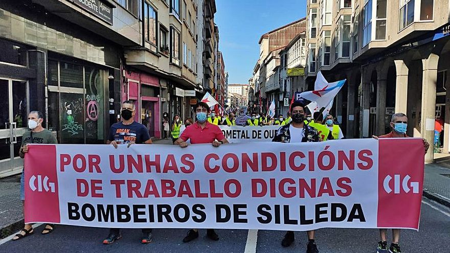 Presencia dezana en las protestas de la CIG ante la Xunta
