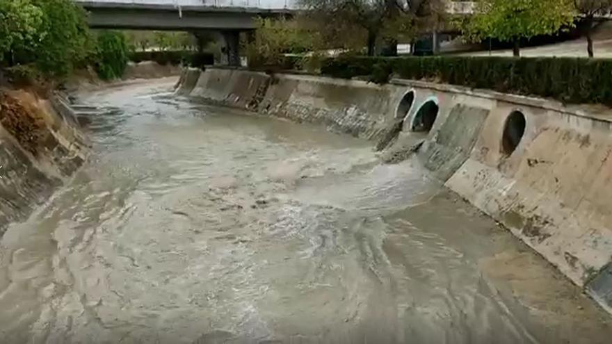 El río Vinalopó a su paso por Elda tras la fuerte tormenta