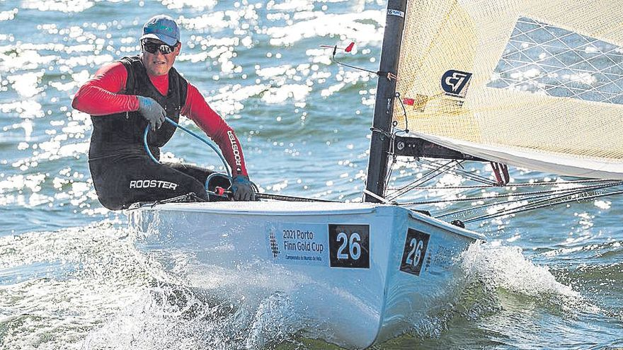 Joan Cardona ocupa la cuarta posición en la Finn Gold Cup