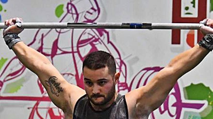 El coruñés Víctor Castro compite en Colombia