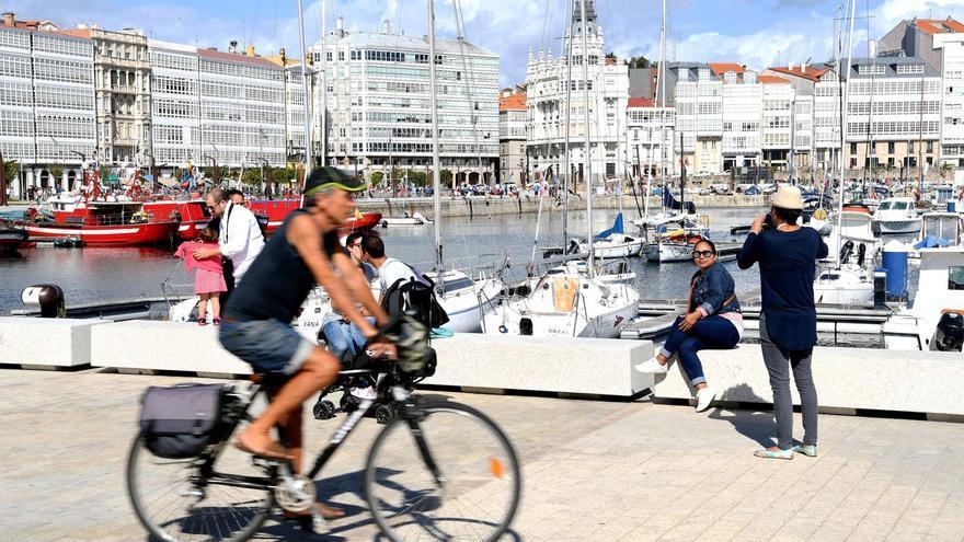 Galicia cerró septiembre con el doble de viajeros y pernoctaciones hoteleras que hace un año