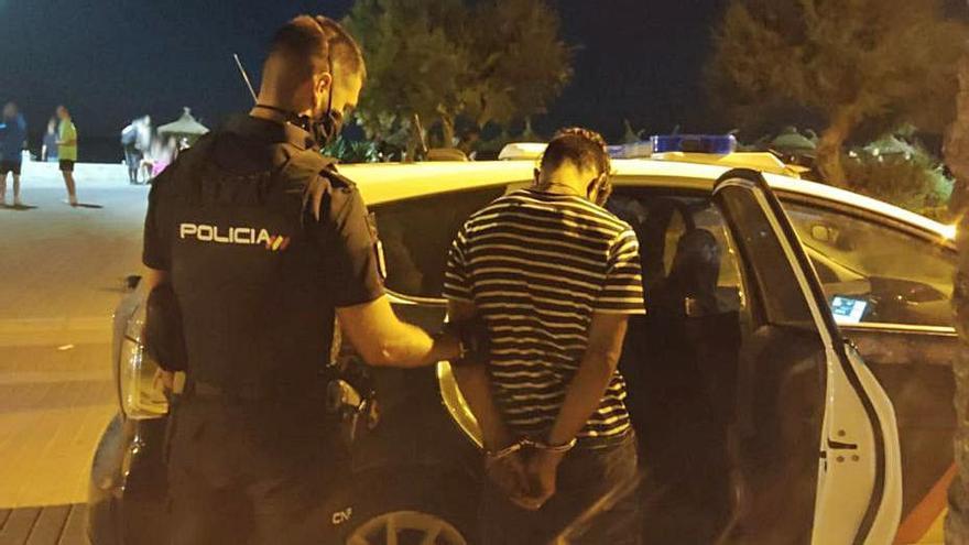 Uno de los detenidos por robos a turistas en s'Arenal. | CNP