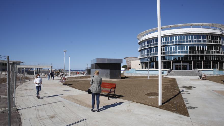 La playa del Arbeyal recupera el acceso directo desde Príncipe de Asturias