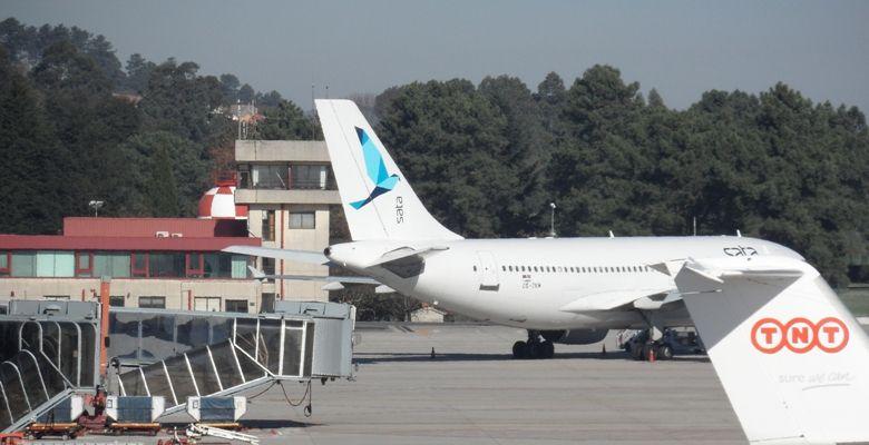 Airbus 310 de Sata que aterrizó en Vigo por una huelga en Portugal. // Aeropuertodevigo.com