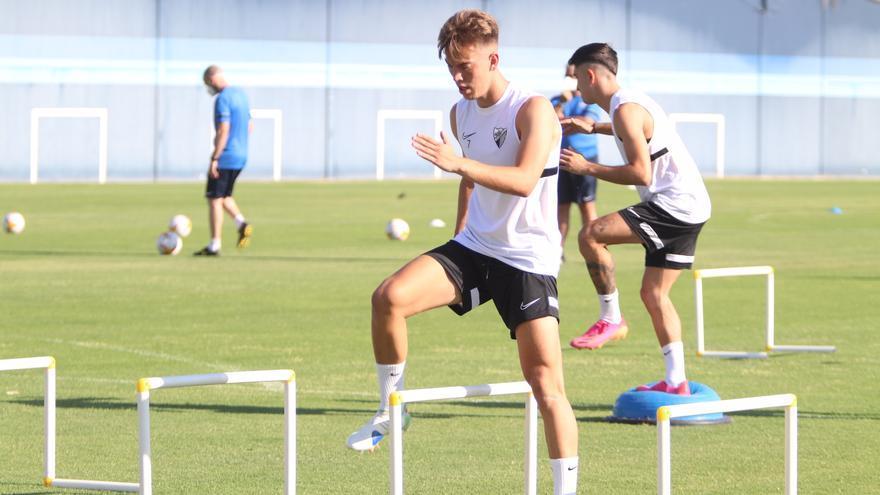 Dos nuevos casos elevan a cinco los jugadores aislados del Málaga CF