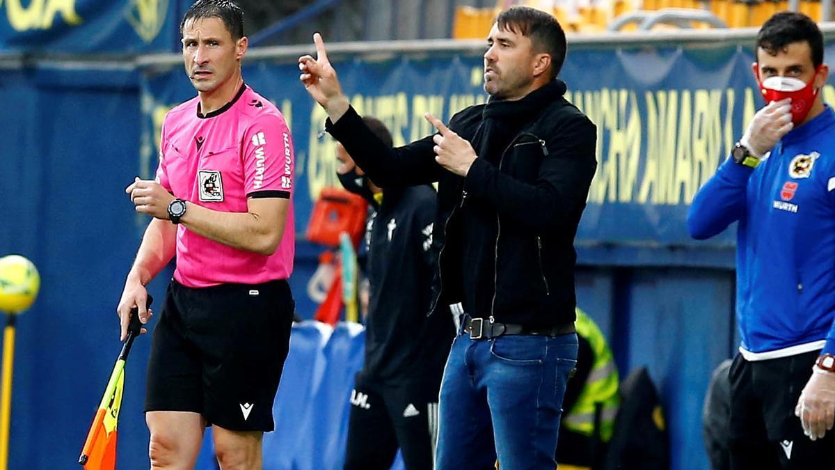 Eduardo Coudet, durante el partido contra el Villarreal en el Estadio de La Cerámica