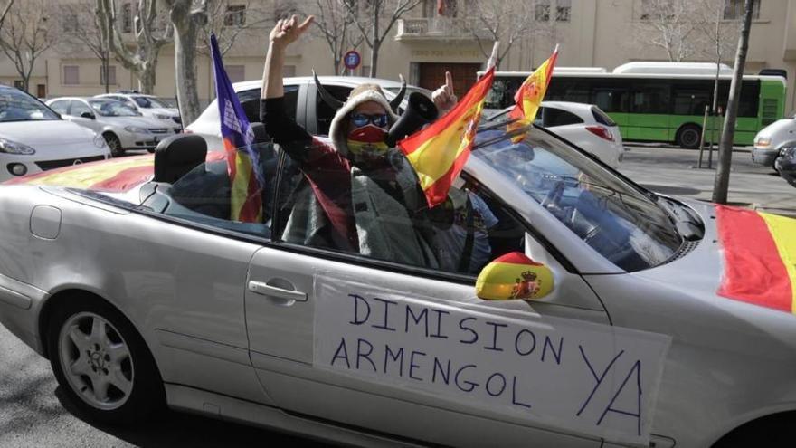 Rund 120 Fahrzeuge bei erneutem Protest gegen Corona-Auflagen