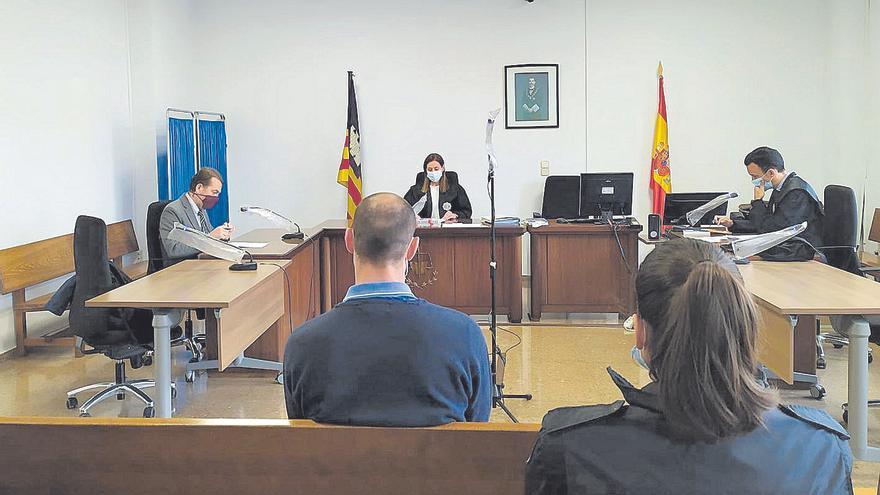 Condenado un falso revisor que estafó y robó 33.000 euros a ancianas en Palma