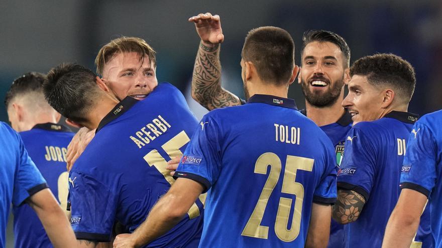Italia golea también a Suiza y ya está en los octavos de final