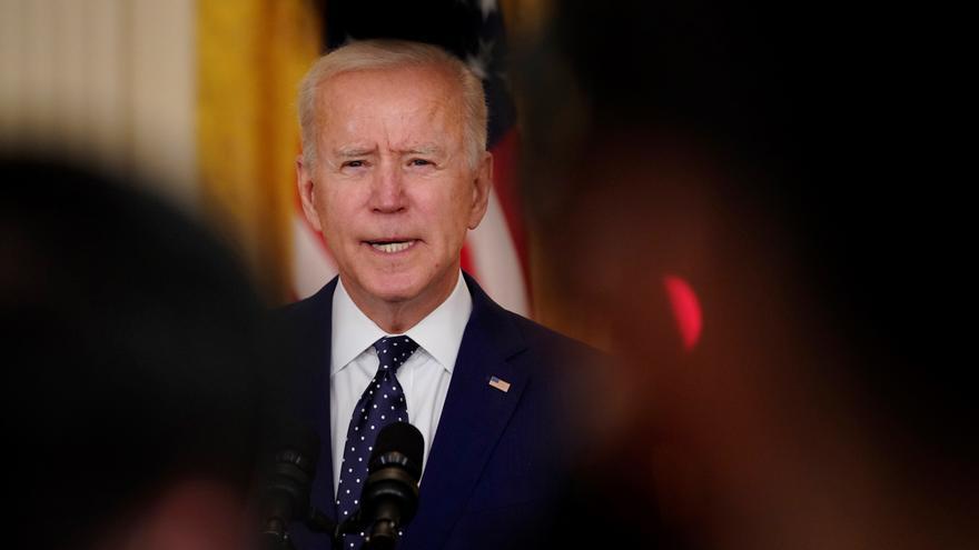 Biden sanciona a Rusia y expulsa a sus diplomáticos