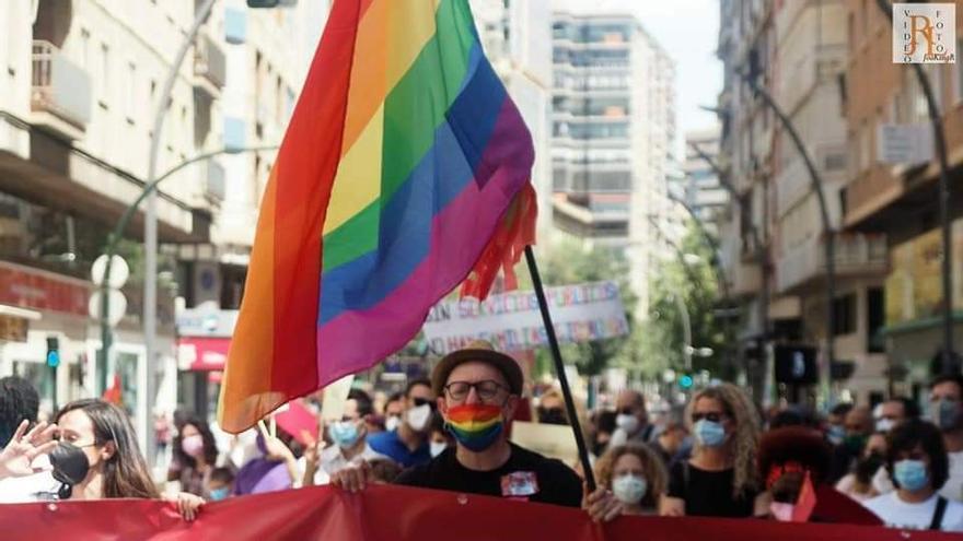 """El Orgullo LGTBI sacará los colores al PSOE por la negativa de las """"tránsfobas"""" a la Ley Trans"""