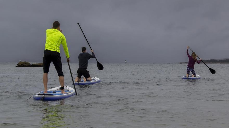 Rescatado cuando se encontraba a la deriva en una tabla de 'paddle surf' cerca de la isla de Toralla