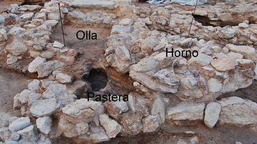 Documentan en la Illeta el primer horno de brea de época ibérica en la Península