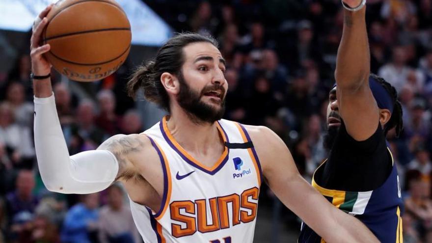 Ricky Rubio brilla en su regreso a Utah con los Suns