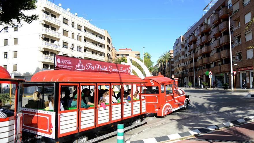 El Tren de Navidad ya recorre las calles de Paiporta