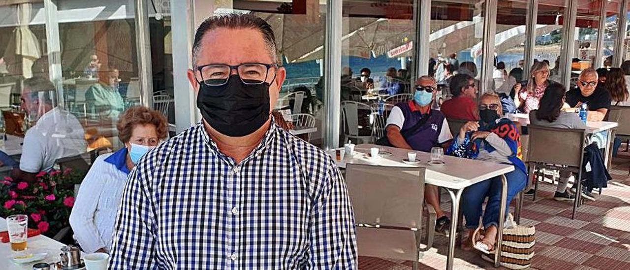 José Manuel  Durán, propietario del restaurante Eladio.     // MARTA G. BREA
