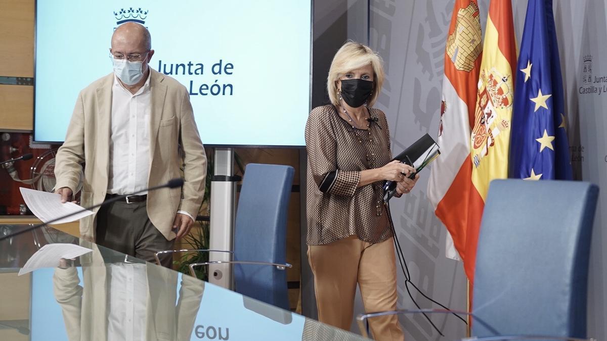 El vicepresidente Igea y la consejera de Sanidad, Verónica Casado, durante la rueda de prensa de esta mañana.