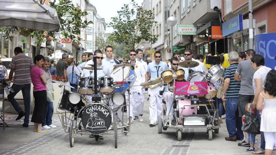 Fiestas del Apóstol en Arteixo con Panorama y Combo Dominicano
