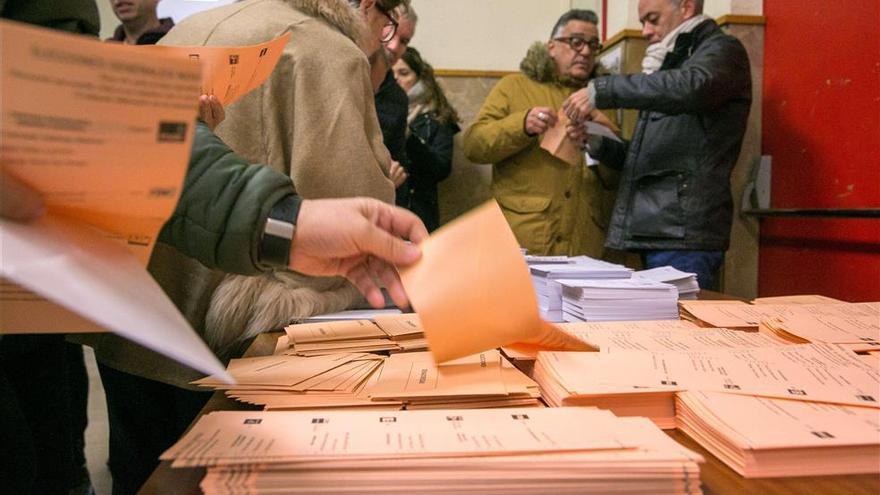 El hartazgo por el bloqueo político derrumba el índice de participación