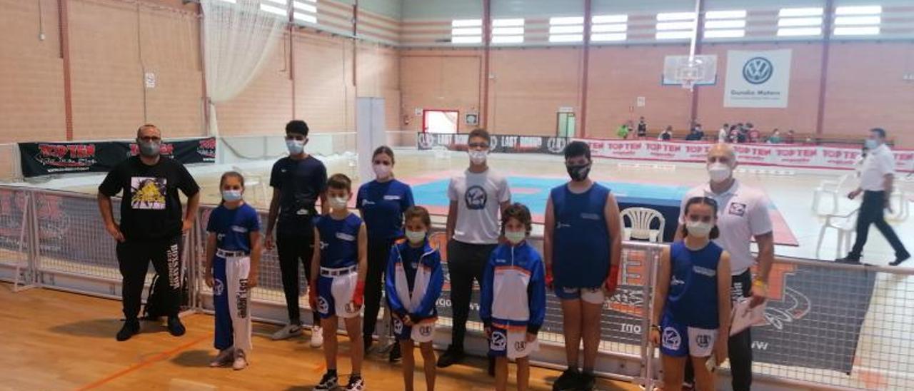Deportistas y técnicos del BoxSafor en el Pavelló del Raval | LEVANTE-EMV
