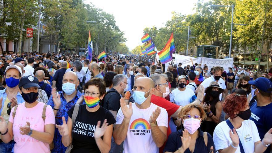 """Més de 3.000 clamen a Barcelona """"tolerància zero"""" davant la violència LGTBI-fòbica"""