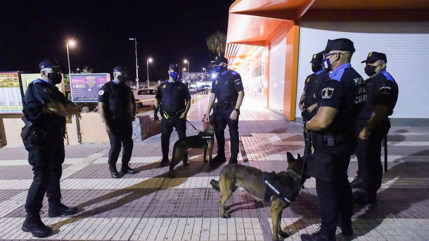 La Policía denuncia a un local de Playa del Inglés por exceso de aforo y de horario