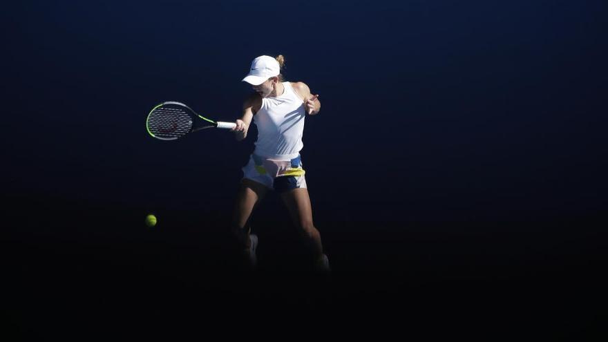 Muguruza alcanza su primera final en el Open de Australia tras desquiciar a Halep
