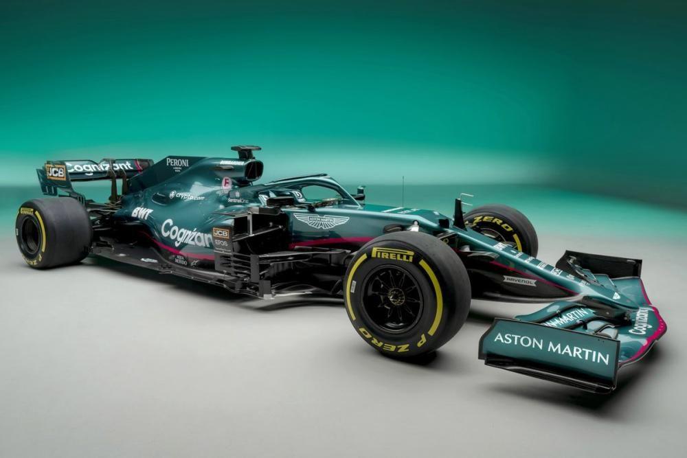 Aston Martin AM01 - (Sebastian Vettel y Lance Stroll)
