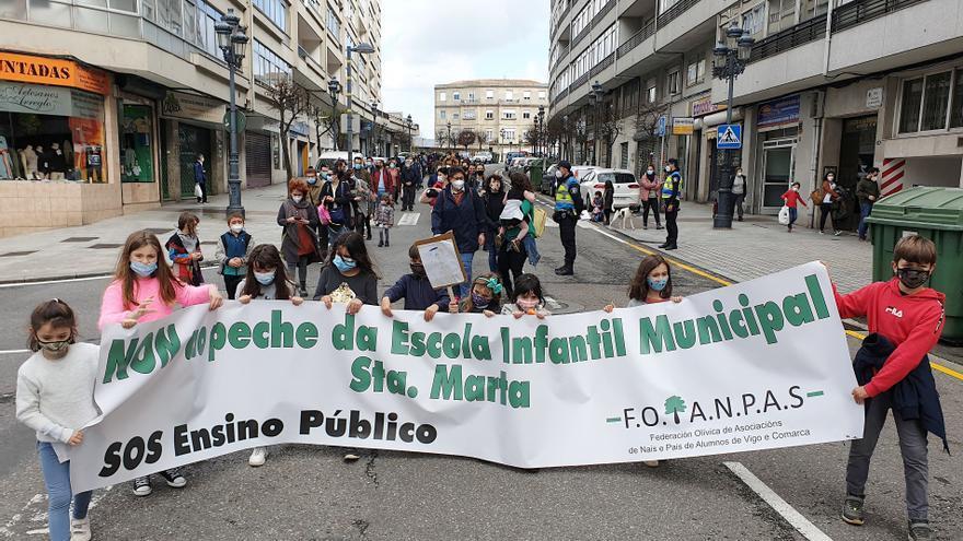 """Nueva manifestación """"en defensa"""" de la escuela infantil Santa Marta"""
