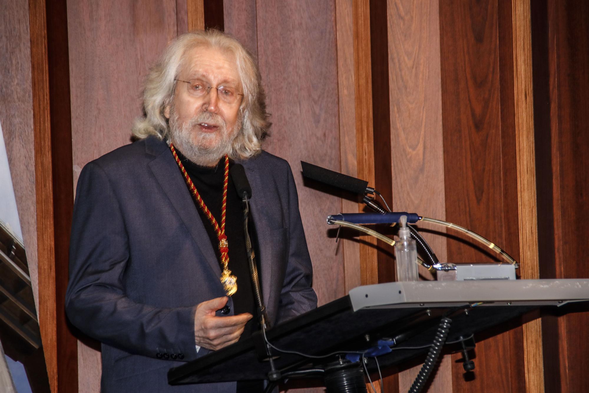 Antoni Miró recibe la Medalla de Oro y el título de Hijo Predilecto de Alcoy