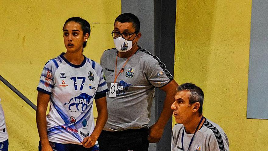 Lolo Galván renueva como técnico del Salud Tenerife