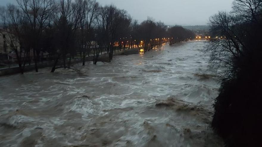 El Ter es desborda a Girona i Bescanó i hi ha cinc rius o rieres més en nivell de perill