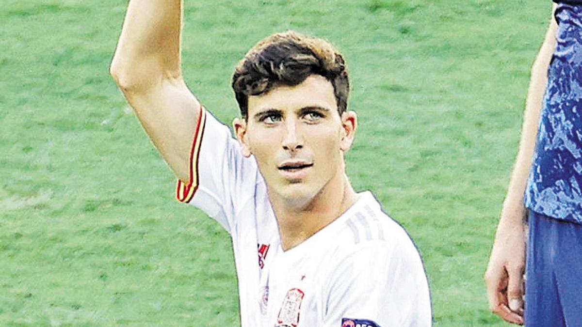 Pau Torres en un partido de la Eurocopa 2021